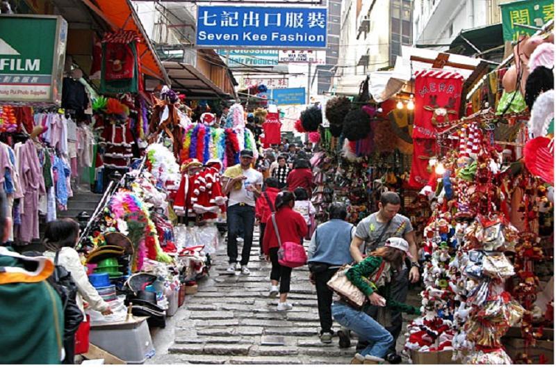 Nếu có điều kiện thì đến trực tiếp các chợ ở Quảng Châu Trung Quốc nhập hàng là điều rất tốt